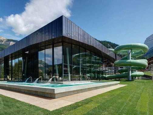 Piscina coperta dolaondes canazei ralf dejaco arketipo for Progetti di piscine e pool house