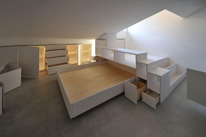Appartamento sottotetto in 24 mq michele gambato arketipo - Bagno nel sottotetto ...