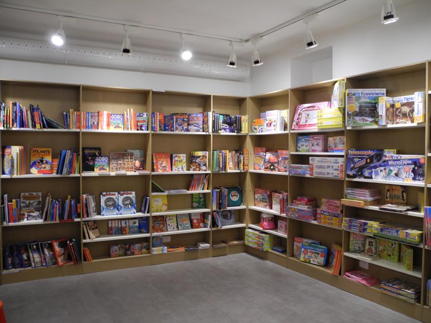 Disano per il punto vendita delle librerie san paolo ad alba