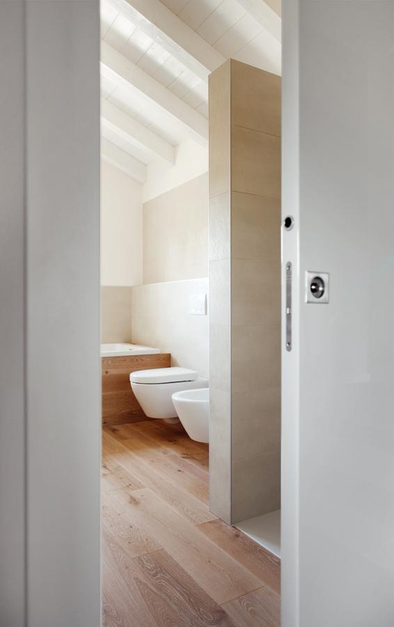 eclisse per il recupero di una vecchia legnaia a susegana. Black Bedroom Furniture Sets. Home Design Ideas