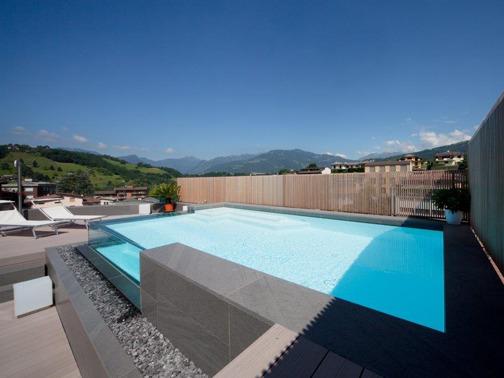 Piscine castiglione per una residenza privata arketipo for Castiglione piscine