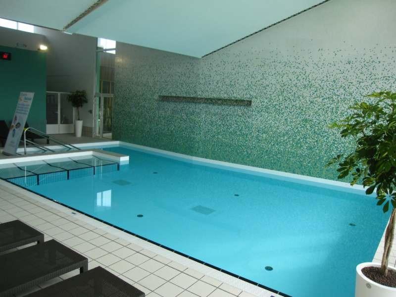 Piscine castiglione firma il complesso acquatico di for Castiglione piscine