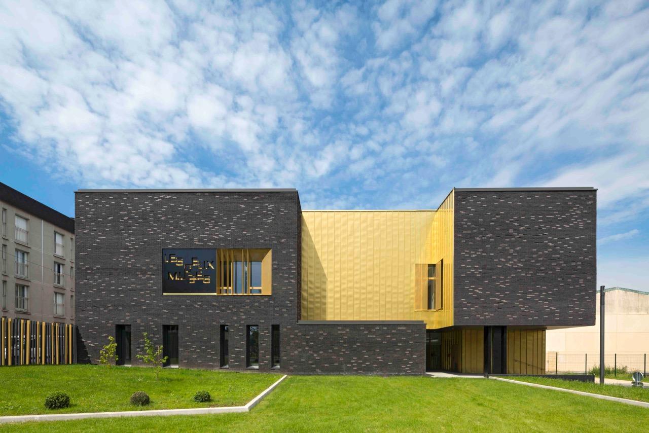 Music dance school in melun de so architects arketipo for Arredamento scuola di danza