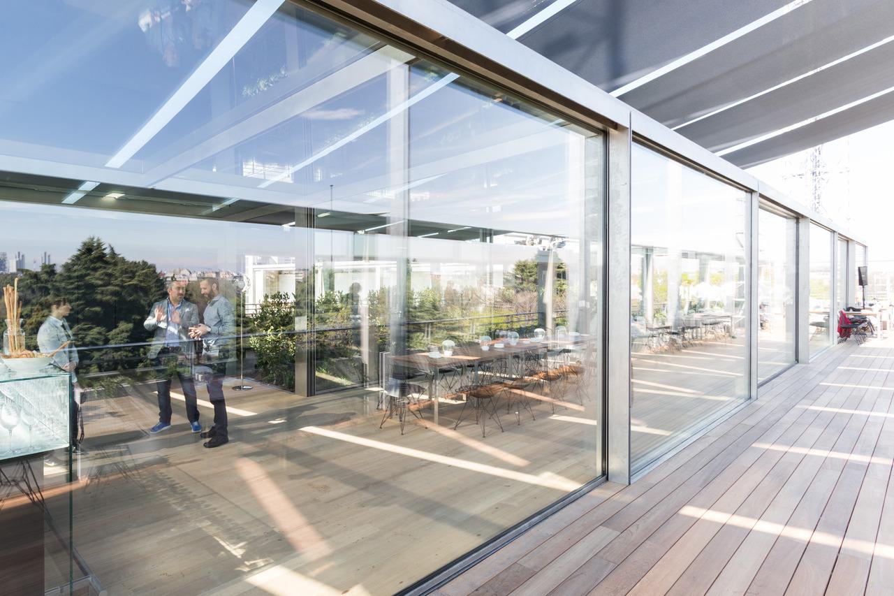 Serra Bioclimatica Normativa Lombardia terrazza triennale: restauro e nuovo ristorante | arketipo