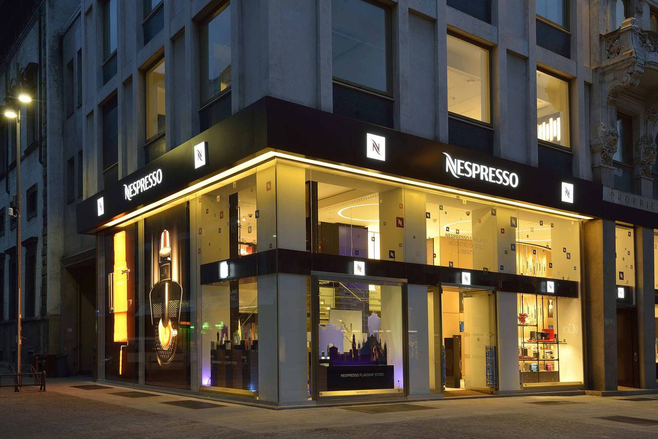 Flagship store nespresso a milano p f architetti arketipo for Milano shop
