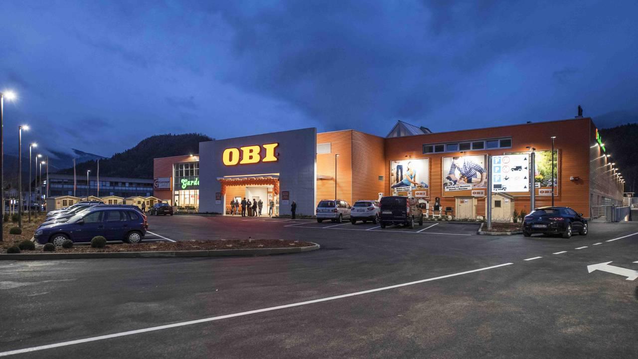Rubner holzbau per il punto vendita obi di brunico for Travi finto legno obi