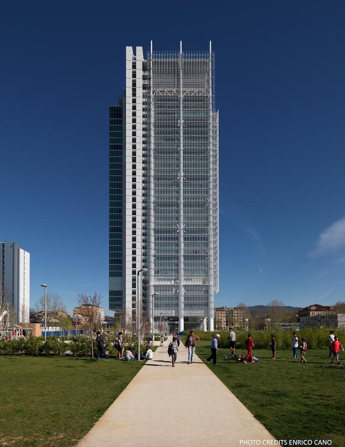 Torre Intesa Sanpaolo a Torino (photo by Enrico Cano)