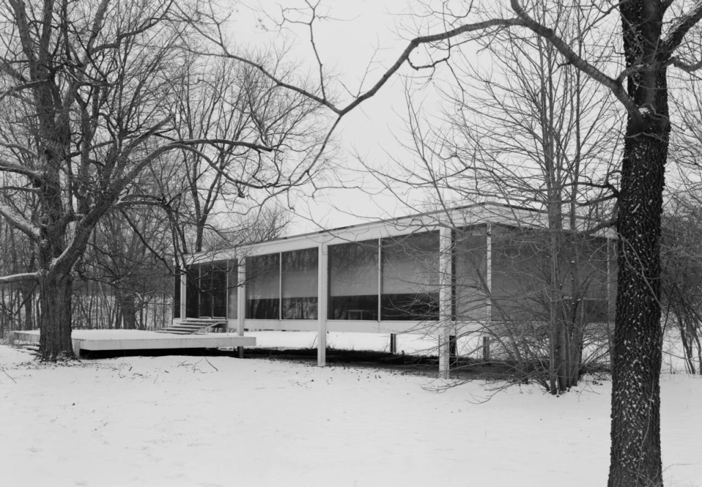 Mies_van_der_Rohe_photo_Farnsworth_House_Plano_USA_2