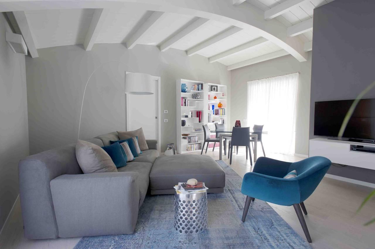 Appartamento in provincia di Milano (photo by Alan Pasotti)