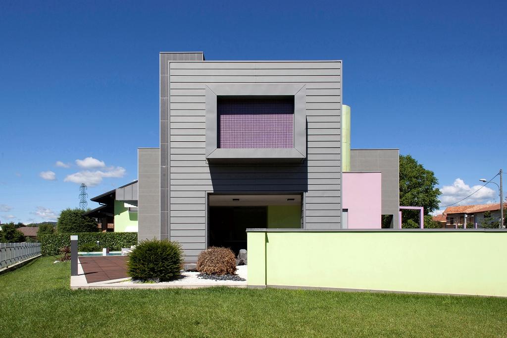 Vmzinc per una villa bifamiliare a borgomanero no arketipo for Progetti ville bifamiliari moderne