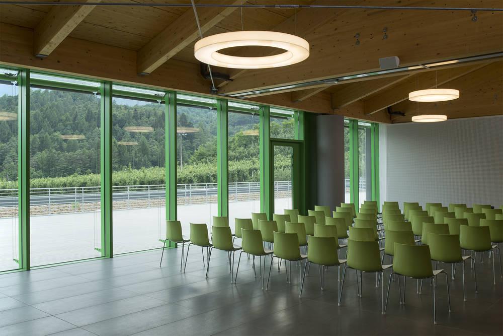 Nuovo stabilimento Consorzio Melinda progettato dallo Studio Azzali di Trento