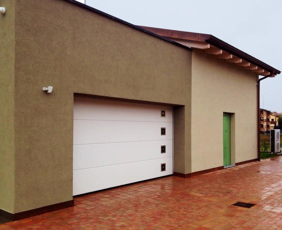 Hörmann per una villa unifamiliare a Parma