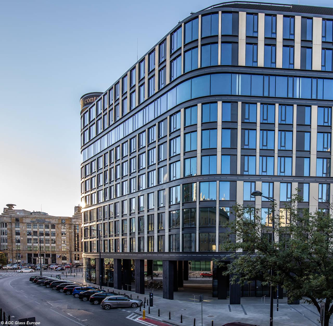 Astoria Building sito nel centro di Varsavia, Polonia, progettato da Epstein / Biuro Projektów Kazimierski I Ryba Sp. j.