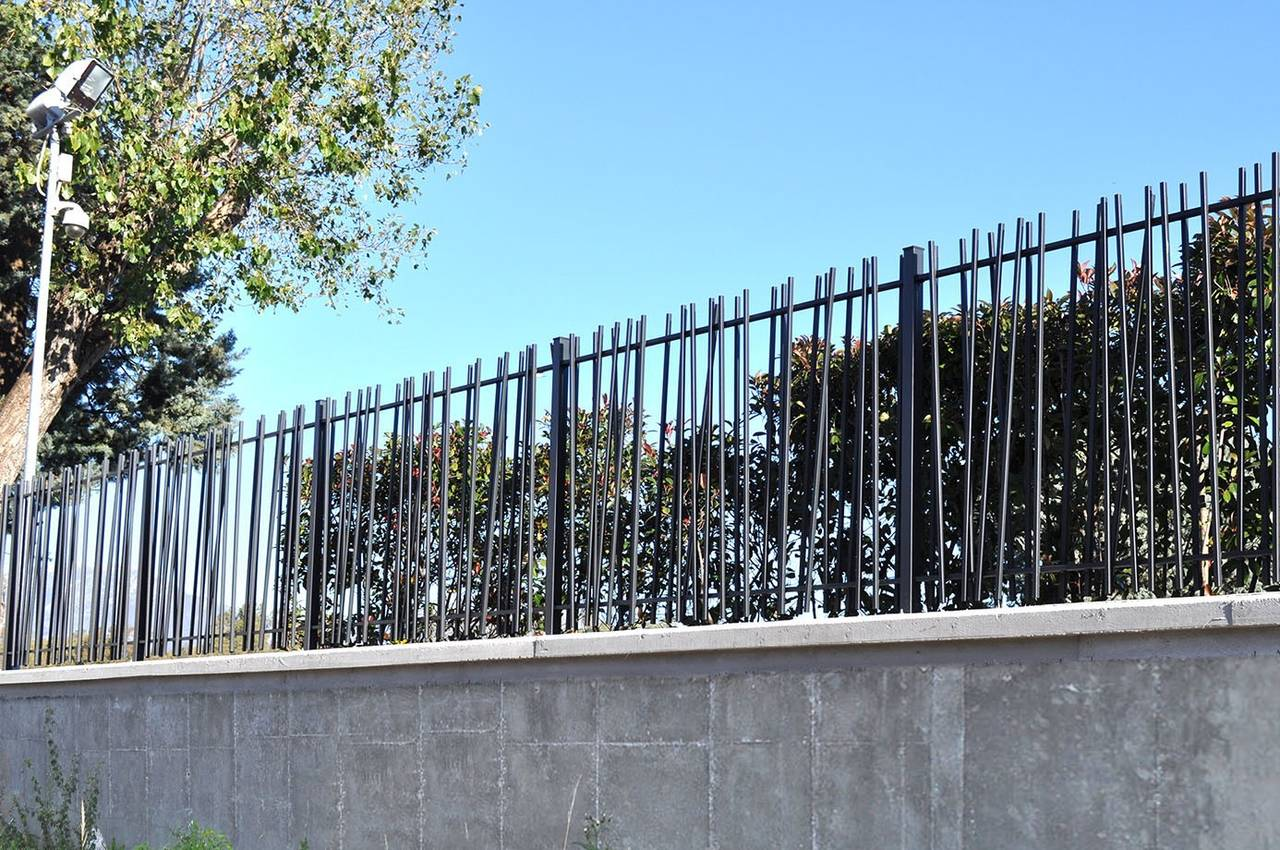 recinzione in acciaio creazen by betafence arketipo. Black Bedroom Furniture Sets. Home Design Ideas