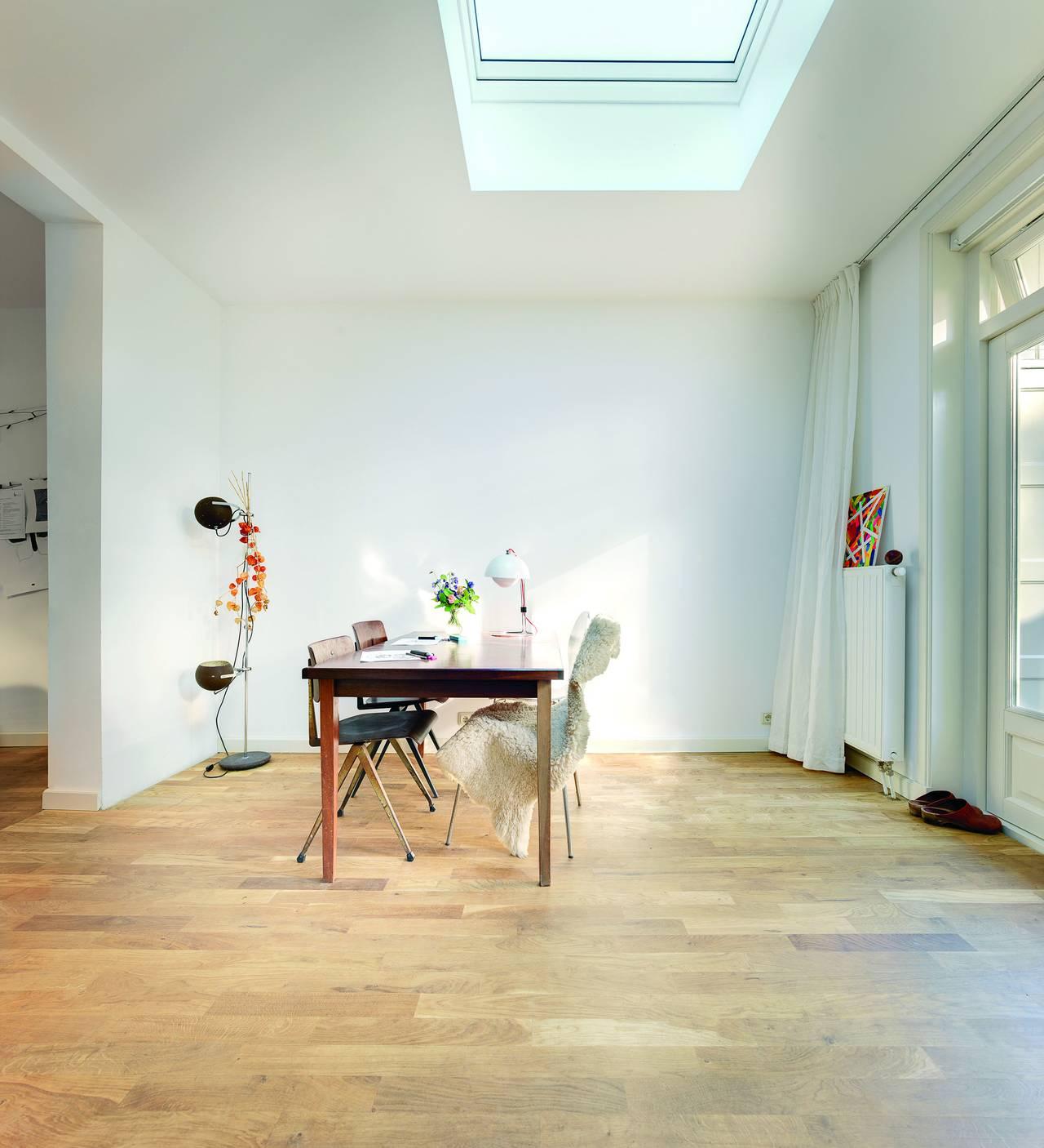 Finestra per tetti piatti modello F by Fakro