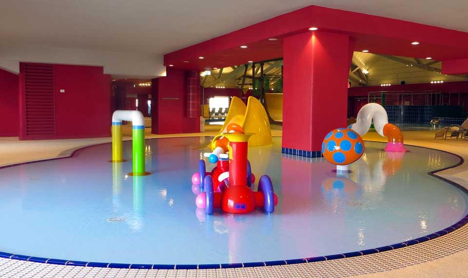 Myrtha pools per l aquagranda active you di livigno arketipo for Piscina rialzata