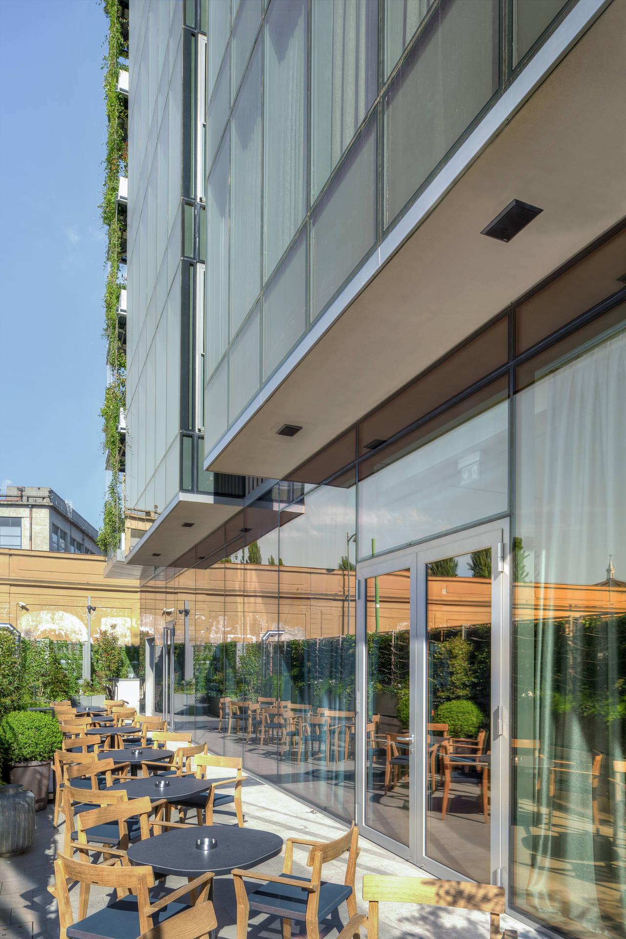AGC Glass Flat Italia per l'Hotel Viu Milan