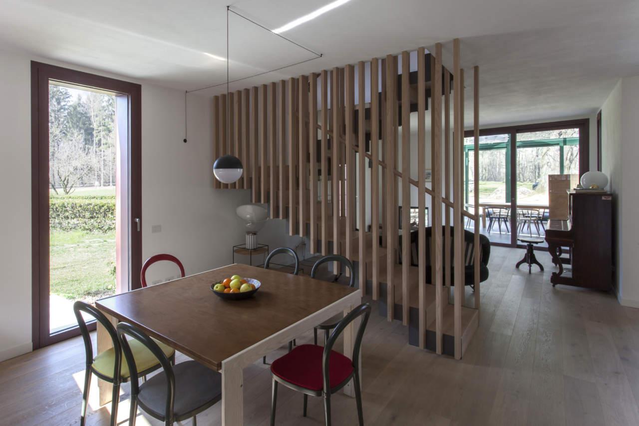La Casa nel Bosco: l'abitazione disegnata dagli architetti Riccardo Cassina e Corrado Spinelli