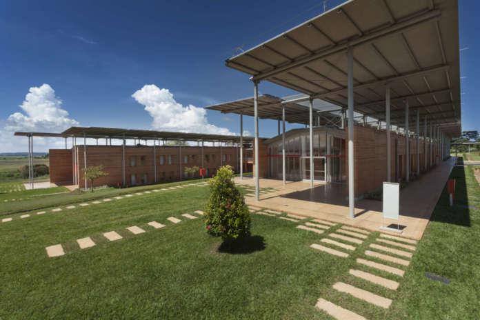 Children's Surgical Hospital, Renzo Piano Building Workshop, Entebbe (Uganda)